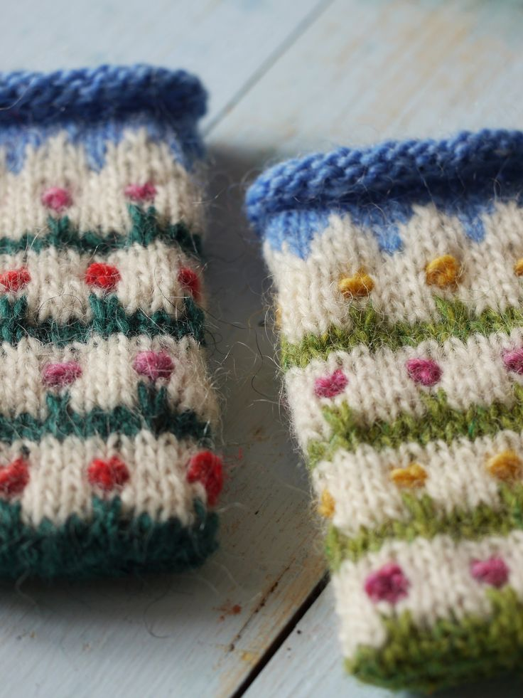 Knitted Lett Lopi iPhone covers - made by https://www.bonthuishouden.nl/