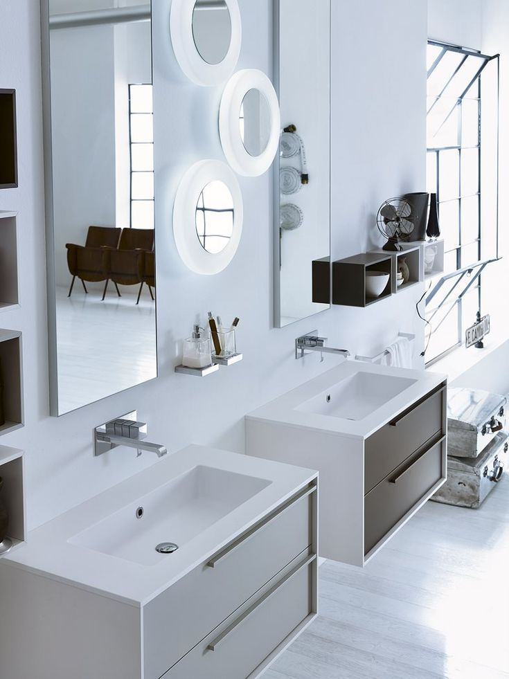 Inda bath furniture | DIECI Collection Modules are designed to satisfy the needs of users who have determinate and refined tastes.
