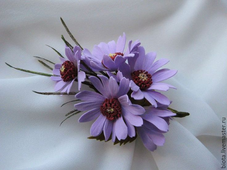 """Купить Бутоньерка-брошь """"Сиреневая"""". Цветы из фоамирана - сиреневый, сиреневые цветы, брошь с цветами"""