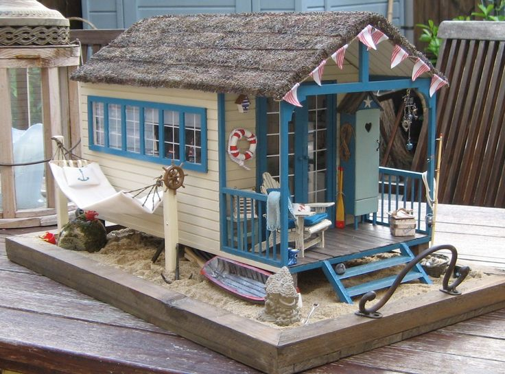 Toy Doll House - Miniature Inspiration - Beach House ... would love to have this in real size