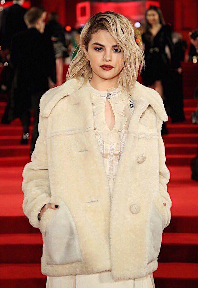 Selena Gomez Blonde Hair Selenagomez Haircolor Hairstyle