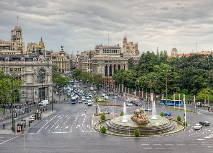 Архитектура Мадрида – это смесь стилей. Здесь можно встретить от готического направления архитектуры до сооружений модернизма.  Невозможно описать красоту испанской столицы - всё надо увидеть своими глазами.