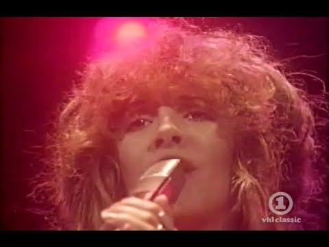 24 Mesmerizing Live Performances By Fleetwood Mac