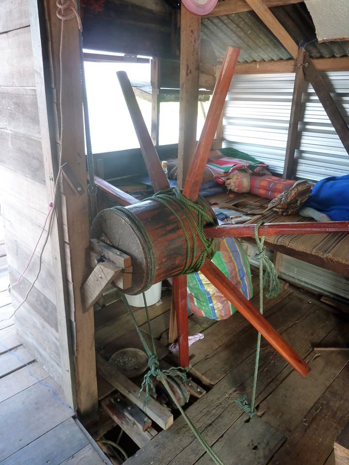 Home-stay with us in amazing Thailand and discover the beautiful Isaan region. Take a boat ride on the Ubol Ratana Dam to buy freshly caught fish from one of the floating fishing Rafts. This simple mechanism used used to raise and lower the Net.