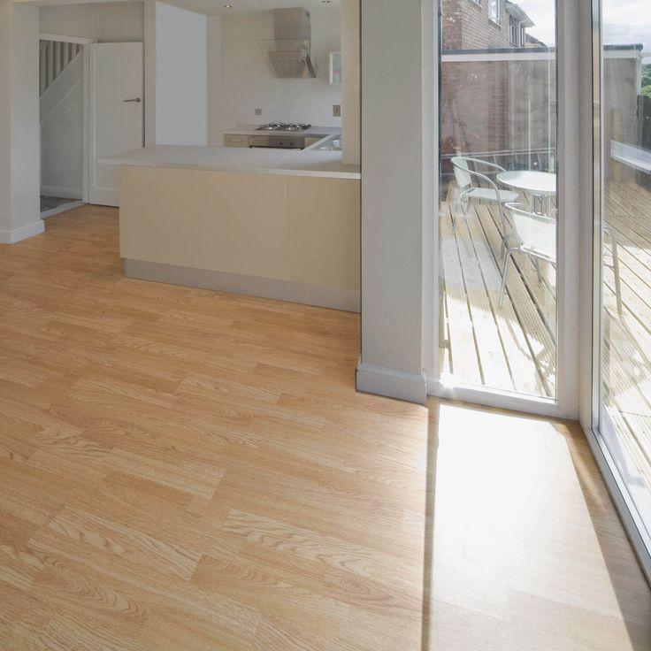 O piso laminado tem uma aparência e textura realista da madeira, o que dá mais charme à decoração.  #Prod124184