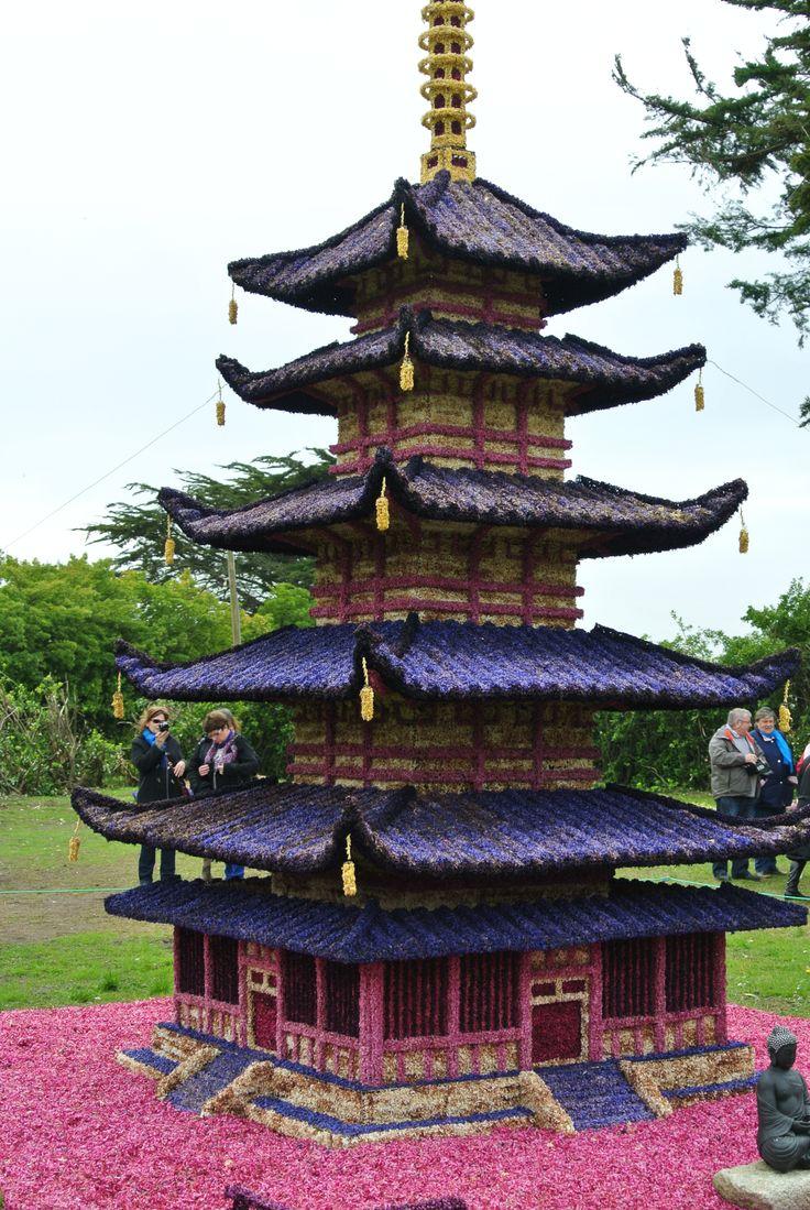Cette année 2014 c'est un temple boudhiste du japon décoré de jacinthes
