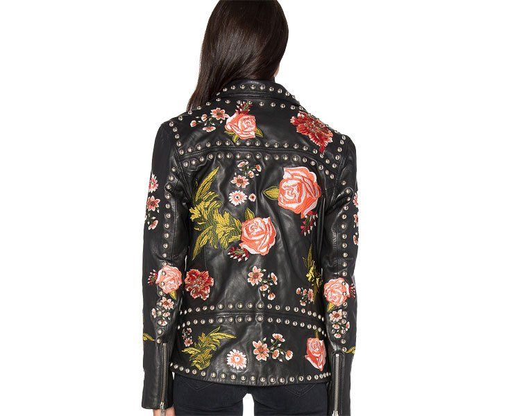 Must have: chaqueta floral biker http://www.modaencalle.com/must-have-chaqueta-floral-biker/