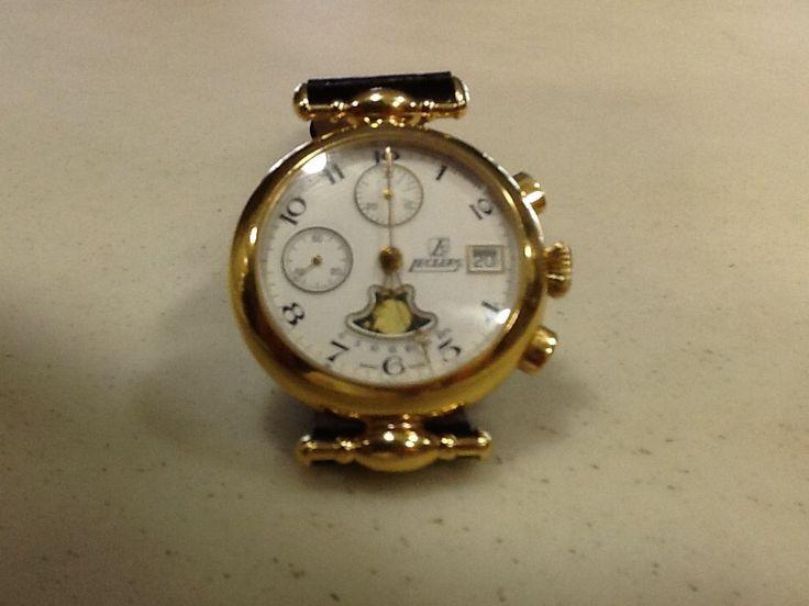 Introvabile orologio d'epoca Leclerc carica manuale cronografo con cassa dorata a 10 micron . Prezzo occasione €490. Contattaci su oromagia@gioielli .it , spedizione gratuita.