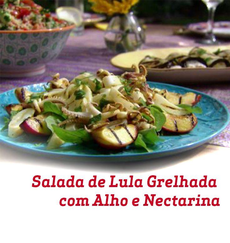 Pra criar essa salada, a gente misturou Lula Grelhada, Alho e Nectarina. Como seria a sua?