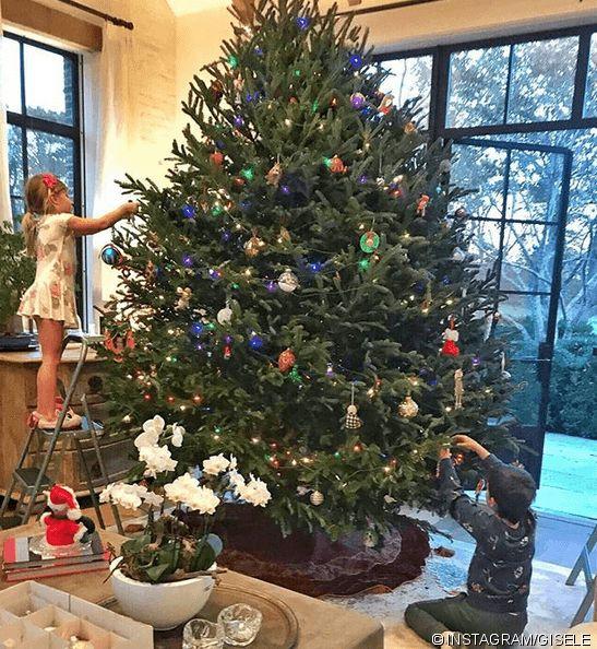 News - Tipp:  http://ift.tt/2zqjfIE Weihnachtsbäume der Stars: Glitzer Glamour und Lametta : Daniela Katzenberger Paris Hilton und Co. läuten die Adventszeit ein