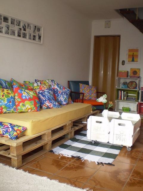 pallet + chita pillows !