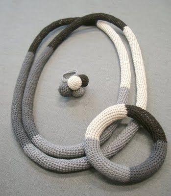 Bijoux de laine_Wool jewelleries