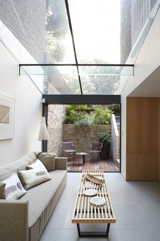 Skylight with minimal structural profile