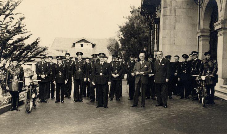 (23 mayo 1966) Se inaugura el servicio motorizado de la POLICÍA MUNICIPAL. El servicio, dotado con radio-teléfono, disponía de ocho motocicletas de 295 c.c.