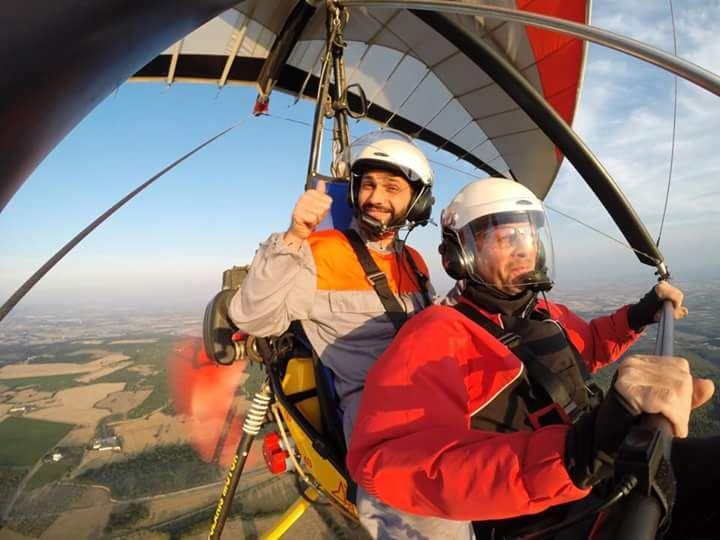 L'emozione dell'ebbrezza del volo dura circa un'ora. Sul deltaplano di Pietro Natile, imprenditore ed esperto di voli in deltaplano, si vola tutti i giorni Scopri di più: http://www.madeintaranto.org/ebbrezza-del-volo/  #Taranto #Puglia #cittadavivere #citywiew #Italy #Madeinitaly #Madeintaranto