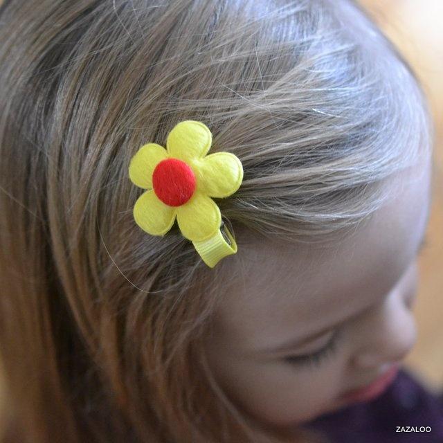 zazaloo fuzzy fleur in yellow