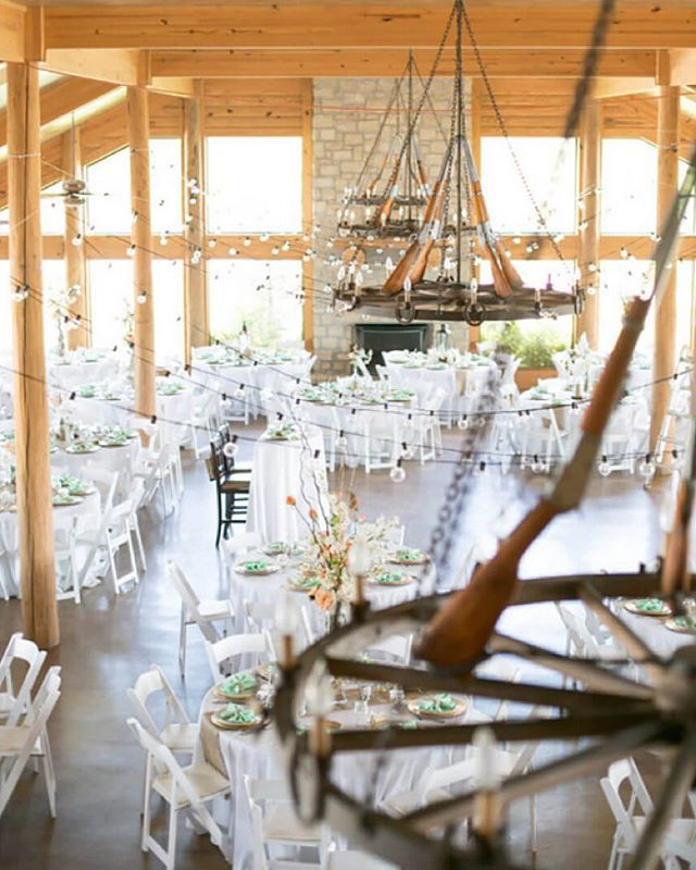 If you are looking for a unique wedding venue in the Tulsa area, The Lodge at…