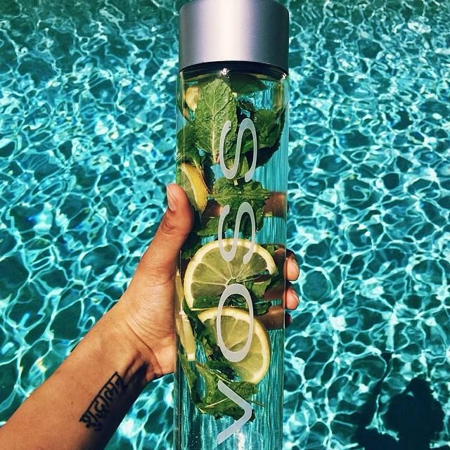 VOSS water with lemon and mint