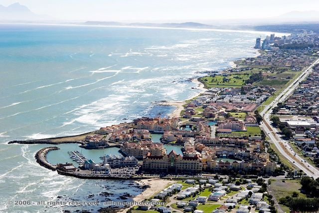 Cape Town Real Estate Property South Africa : Harbour Island Gordon's Bay