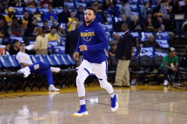 Golden State Warriors' Stephen Curry (30) runs on the court before the start of their NBA game against the Los Angeles Lakers at the Oracle Arena in Oakland, Calif. on Friday, Dec. 22, 2017. Curry is still not playing due to an ankle injury on Dec. 5th. (Jose Carlos Fajardo/Bay Area News Group)