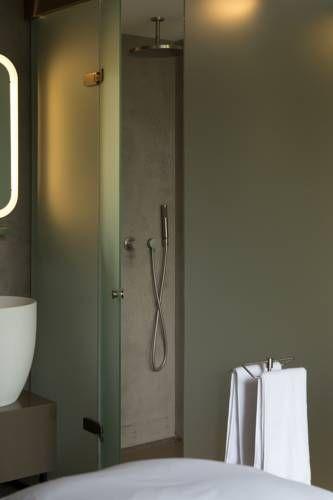 mini badkamer in Blue Hotel Nijmegen