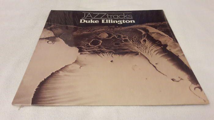 Heleboel 14 oude Swing-Jazz LP Album (Benny Goodman 2 x Artie Shaw Count Basie Duke Ellington 2 x Bix Beiderbecke Frank Sinatra Woody Herman o.a.))  Duke Ellington: Jazz Tracks [1977 Duitsland Bellaphon BJS 40171]; Omslag: nm / Vinyl: exBenny Goodman: Benny Goodman [1973 ons Everest registreert FS-277]; Omslag: vg  / Vinyl: exDuke Ellington: Het beste van Duke Ellington - originele sessies 1942 / 1946 (2LP Set) [geen jaartal Frankrijk Disque Festival D.P. 100.072 / Album 13]; Cover…
