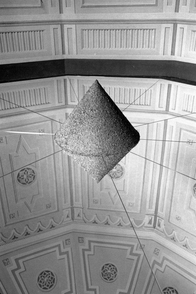 Dani Karavan, la sua opera nella Casina del Te alla Fattoria di Celle, Pistoia 1999. ©CarloChiavacci