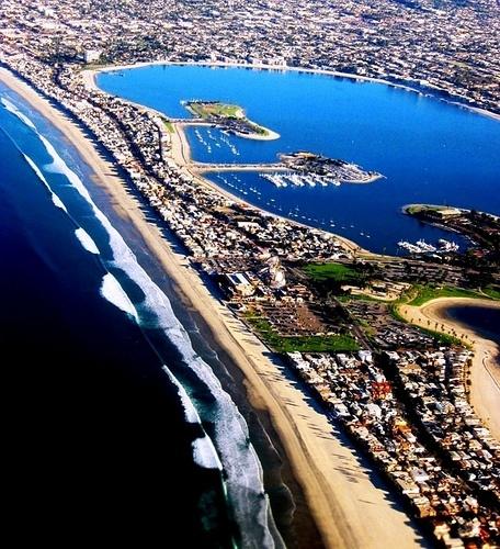 South Pacific Beaches: Pacific Beach, San Diego - California