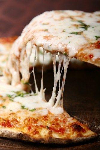 Пицца с фетой и базиликом