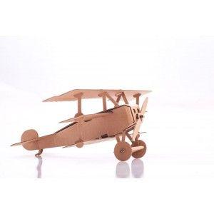 Witajcie ponownie, dzisiaj coś nowego od Leolandia.   Samolot z Tektury do złożenia i pomalowania. Przypomina niemiecki samolot trójpłatowy z okresu pierwszej wojny światowe - Leolandia LeolandiaL01033  Czy zabawka ćwiczy zdolności manualne? Sprawdź na stronie  #SamolotzTektury #ZabawkazTektury #ZabawkadoZlozenia #LeolandiaL01033