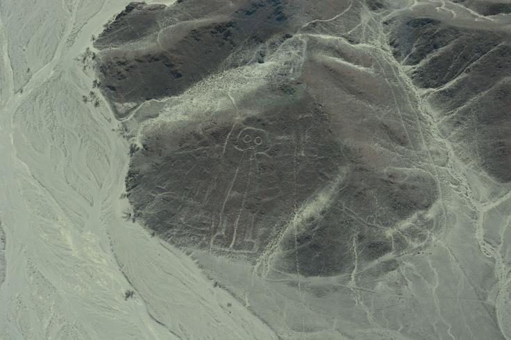 航空機からのナスカの地上絵(宇宙人)。