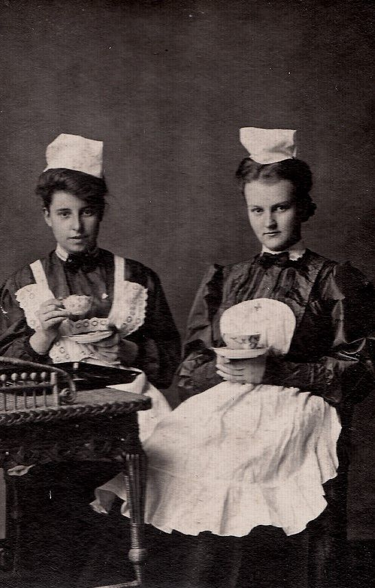 Waitresses, Glasgow 1890