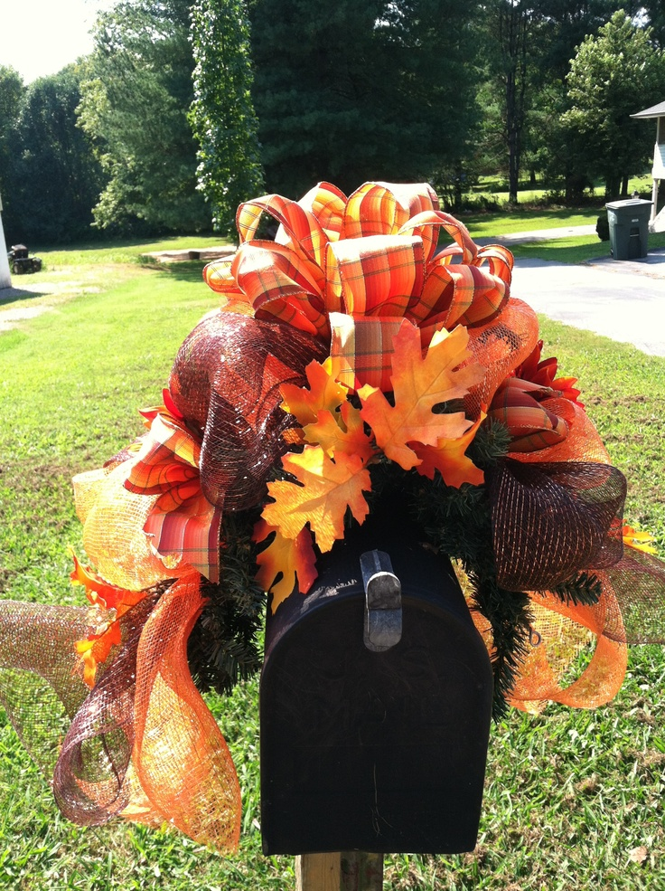 Fall mailbox wreath/cover & The 265 best Mitziu0027s Mailbox Love images on Pinterest | Letters ...