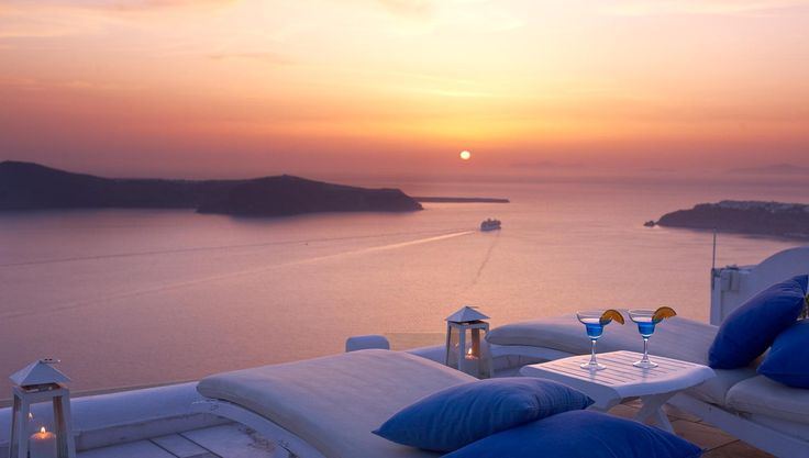 10 hotels balconies with most beautiful views - http://everydaytalks.com/most-beautiful-views/
