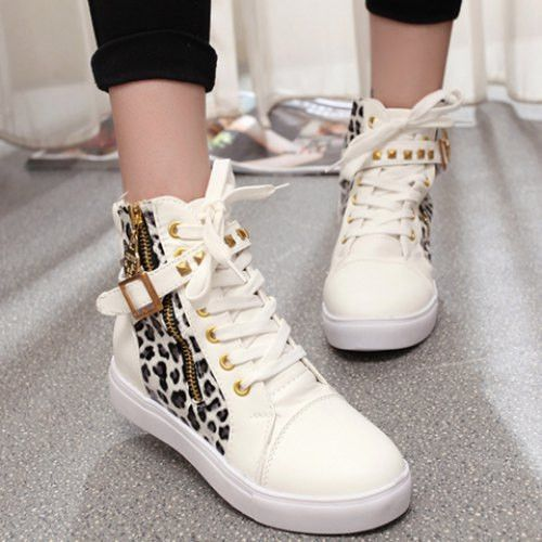 Leopard Print Design Women's Athletic Shoes.