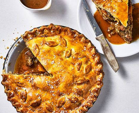 Easy steak pie | Recipe | Steak and ale, Steak ale pie ...