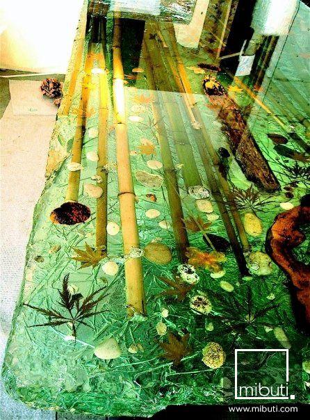 Las 25 mejores ideas sobre epoxy en pinterest collar de for Mesas de jardin de resina