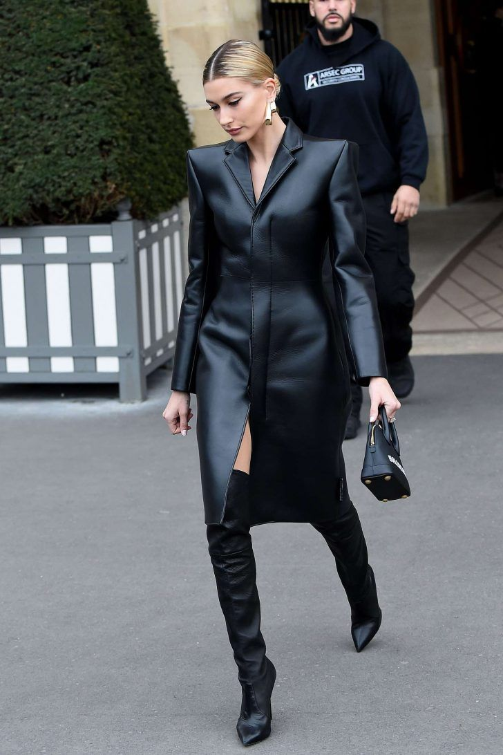 Hailey Baldwin Leaving Her Hotel In Paris 07 Black Outfit