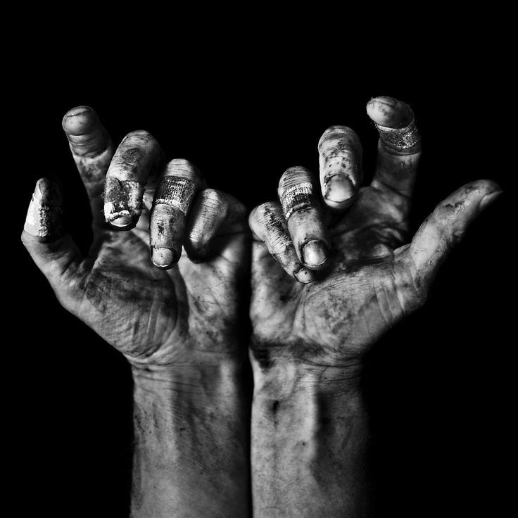 """Speaking Hands"" Photography © Benoit Courti www.benoitcourti.net www.facebook.com/benoitcourtipage"