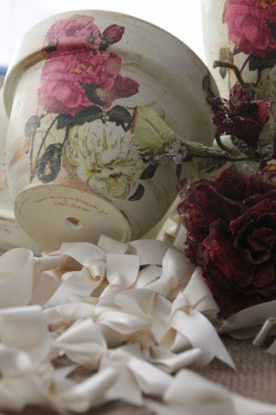 Vintage Wedding Pot #centerpiece #wedding