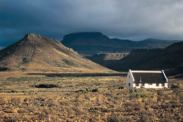 Whose house is this, all here in the Northwest? :: Free State Farmhouse - South Africa by South African Tourism, via Flickr