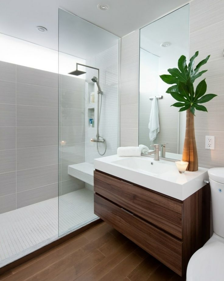 baño pequeño con elementos de madera                                                                                                                                                                                 Más #bañosmodernos