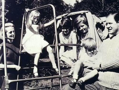 Lady Diana Childhood :: LadyDianaSpencer-Childhood26.jpg image by dawngallick - Photobucket