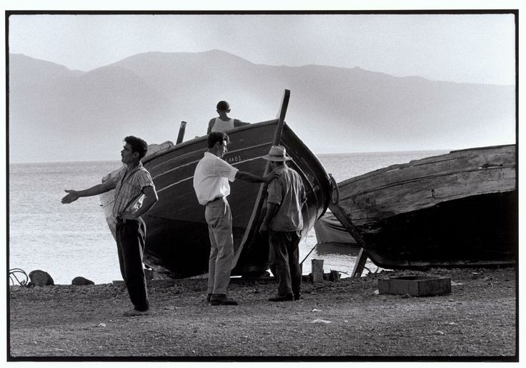 Constantine Manos - Greece. Chalkidiki. Nea Moudania. 1964. By the sea.