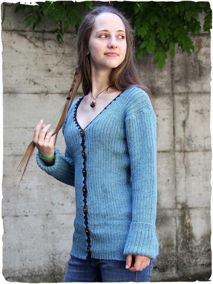 Maglione aperto Belinda #elegante e #raffinato #maglione aperto in #lana d' #alpaca con scollo a V e lavorazione a costine. I #bottoni del #cardigan d' #alpaca, rifinito all'uncinetto, sono in #legno di #cocco #naturale. Un maglione #morbido e #caldo perfetto per ogni occasione!http://www.lamamita.it/store/abbigliamento-invernale/1/moda-donna-maglioni-bolero/maglione-aperto-belinda#sthash.YabKUPzP.dpuf