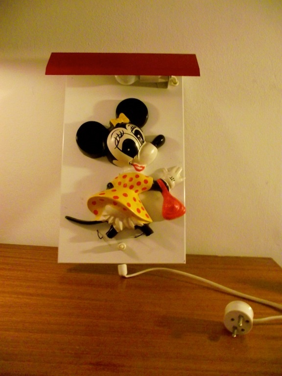 Minnie mouse lamp.  Lönnrotinkatu Helsinki Finland.  #dumpsterdiving #minniemouse