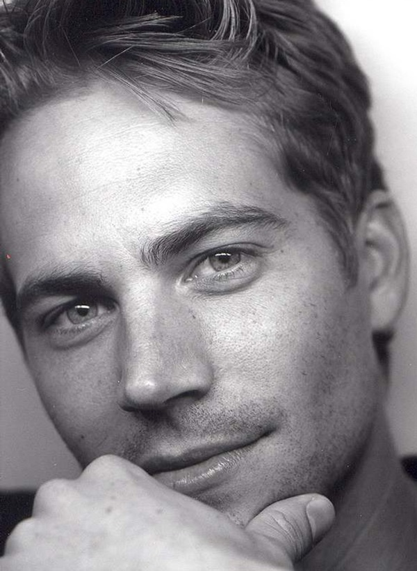 Paul Walker (b September 12,1973 Glendale, Ca.) died in a horrific car accident on November 30, 2013 at the young age of 40