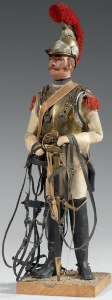 #Carabinier tenant la bride et le filet de son cheval, vers 1812; hauteur totale 44 cm. Charles Sandre fabriqua ces figurines vers 1900.  Vendu aux #encheres le 17/11/11 par Thierry de Maigret