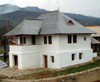 Casa cu Blazoane Chiojdu