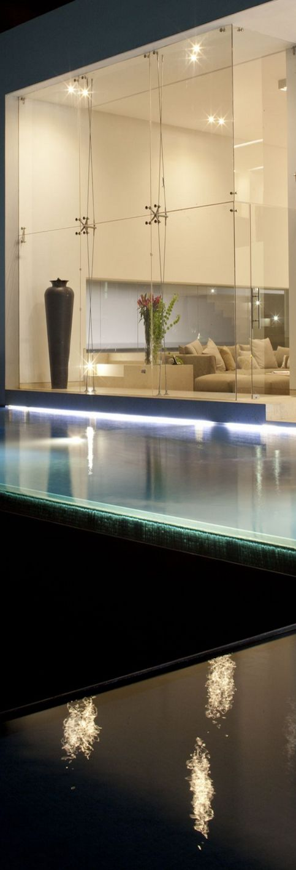 Water House / yyyy Almazan & Associates Architects